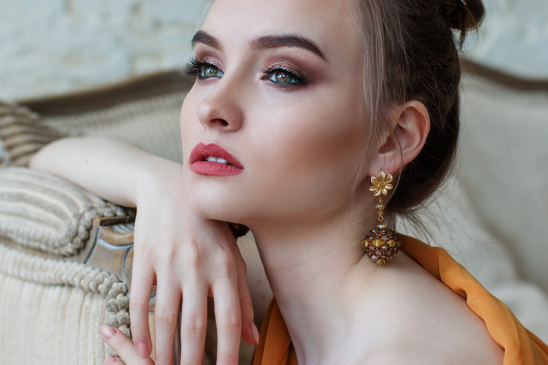 Why Fashion Jewelry Becomes Trendy?