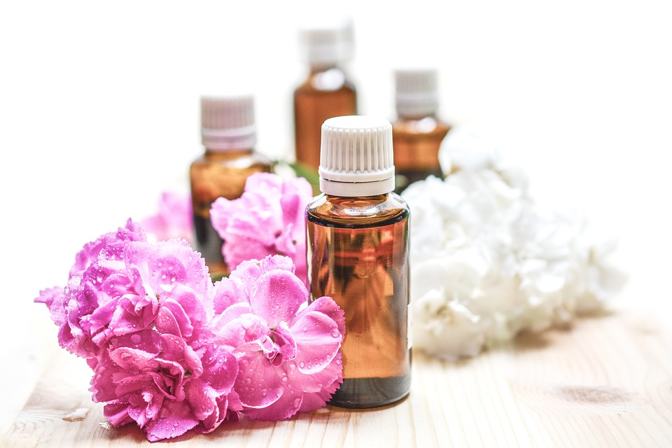 3 DIY Recipes Using Essential Oils For Skin Care