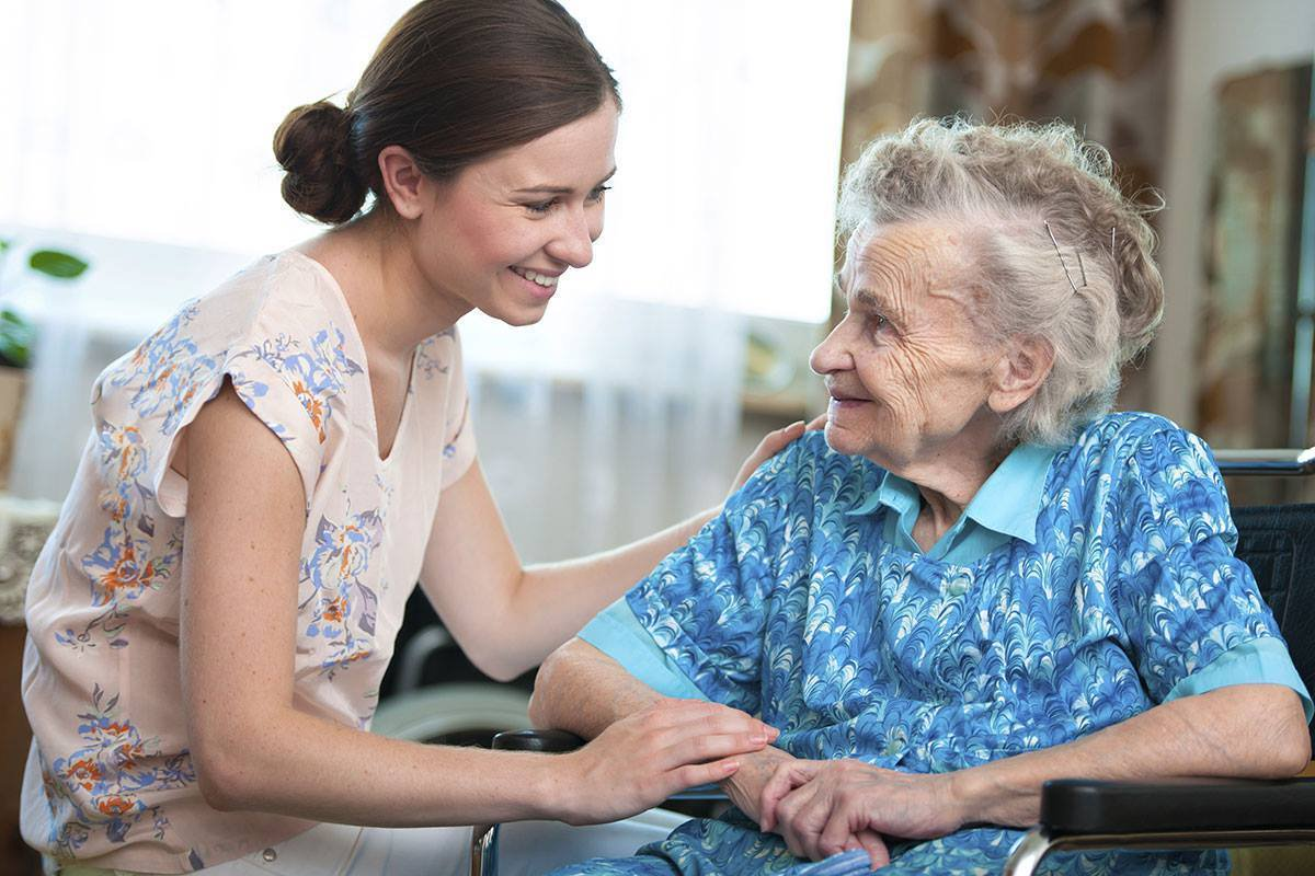 Alzheimer's Care: Top Tips For The In-House Caregivers That They Must Know