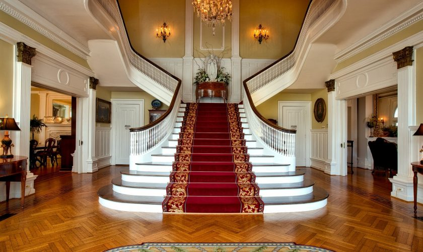 A Welcoming Space: Tips for Designing the Foyer