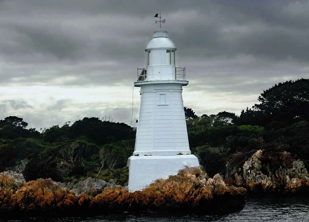 Best Places For Fishing In The Oceania Region lighthouse