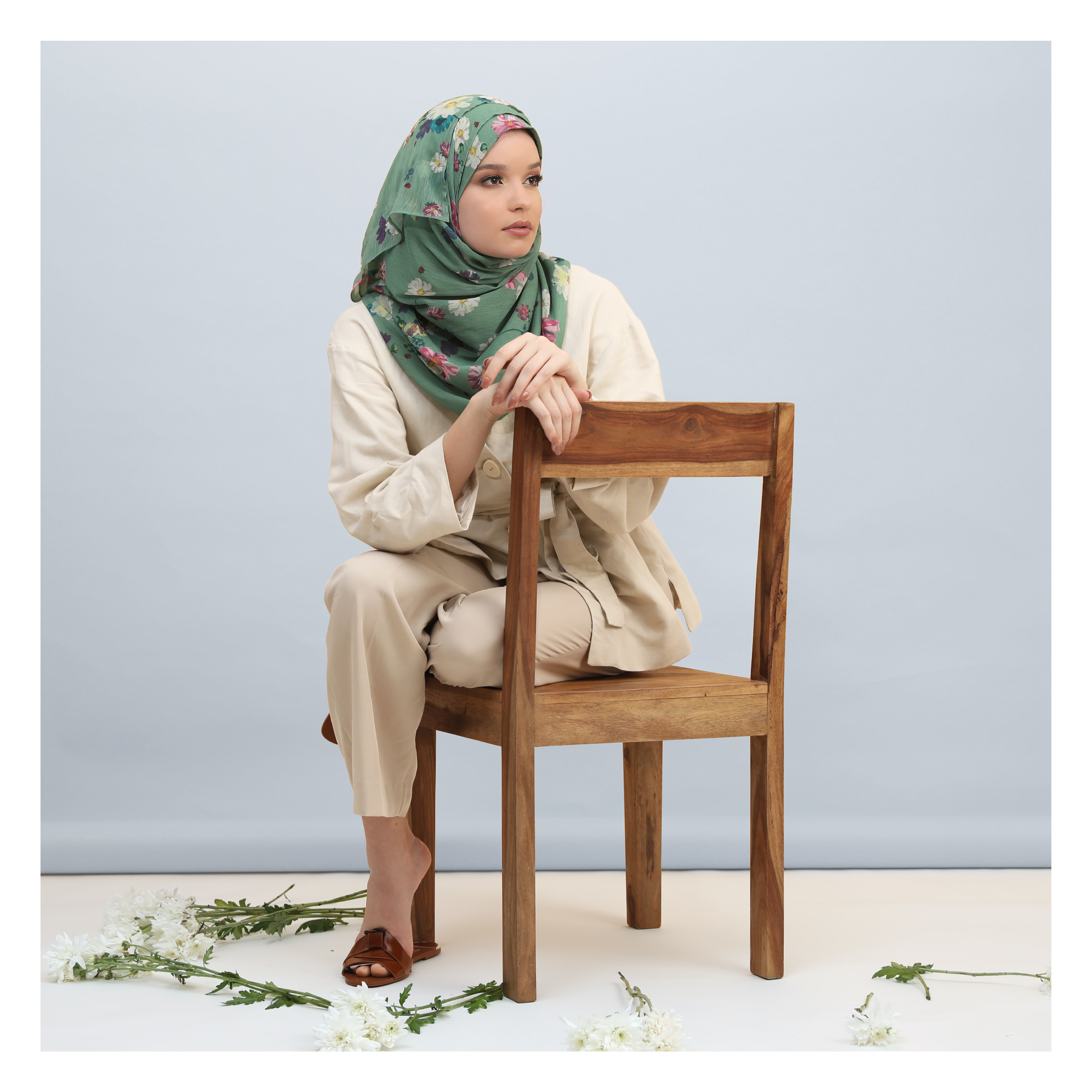 Complete Hijabi Guide to Packing this Summer chair