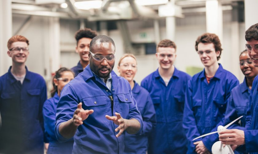8 Reasons Why an Apprenticeship is Better Than a Degree