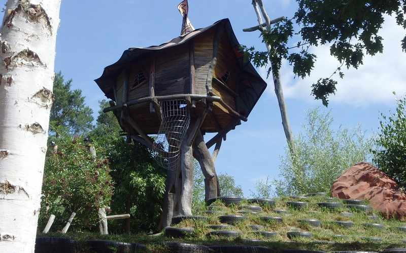 How to Build a Cool Treehouse and Treehouse Ideas